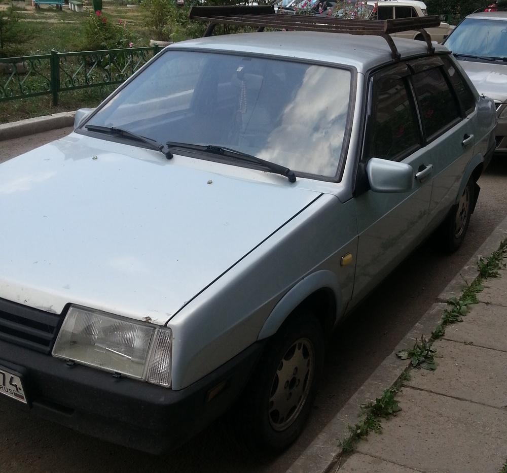 Подержанный ВАЗ (Lada) 2109, хорошее состояние, серебряный , 2004 года выпуска, цена 70 000 руб. в Челябинской области