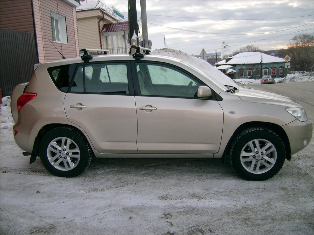 Подержанный Toyota RAV4, хорошее состояние, бежевый , 2008 года выпуска, цена 700 000 руб. в Челябинской области