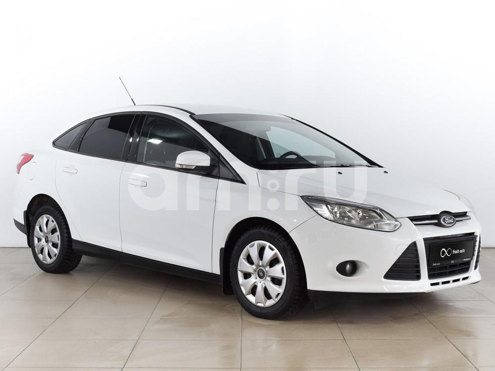 Ford Focus с пробегом, белый , отличное состояние, 2014 года выпуска, цена 579 000 руб. в автосалоне  ()