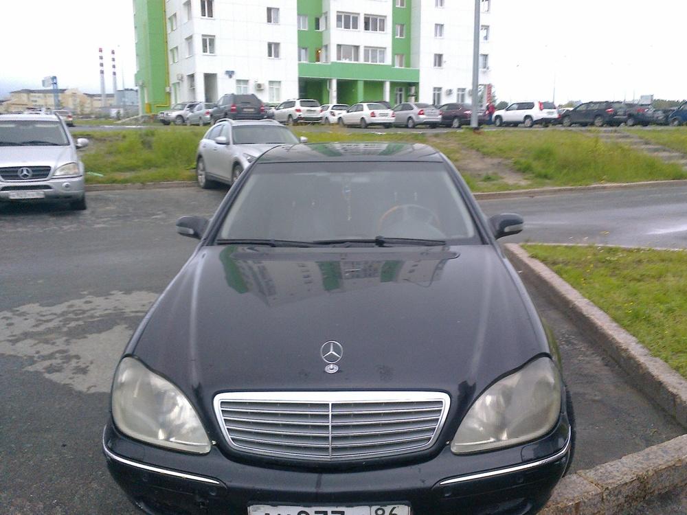 Подержанный Mercedes-Benz S-Класс, хорошее состояние, черный , 2001 года выпуска, цена 250 000 руб. в ао. Ханты-Мансийском Автономном округе - Югре
