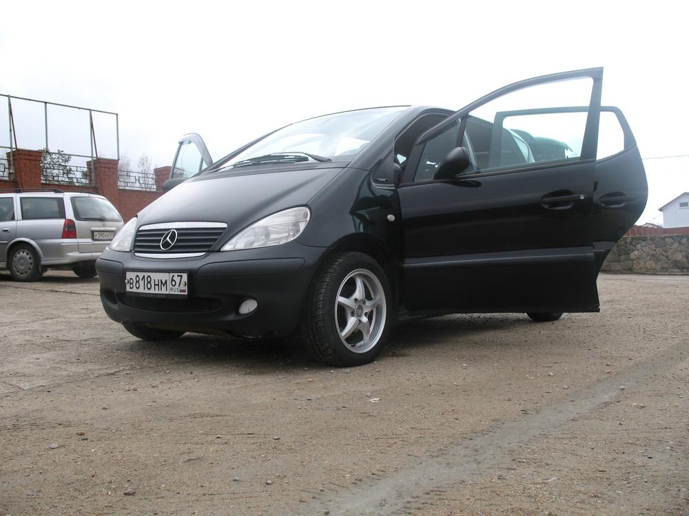 Подержанный Mercedes-Benz A-Класс, хорошее состояние, черный , 2003 года выпуска, цена 260 000 руб. в Смоленской области
