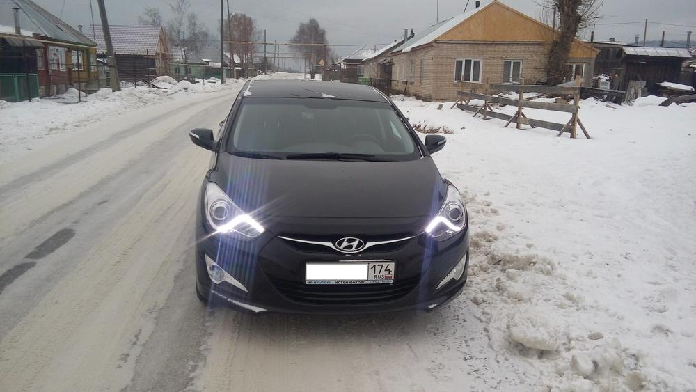 Подержанный Hyundai i40, отличное состояние, черный металлик, 2015 года выпуска, цена 870 000 руб. в Челябинской области