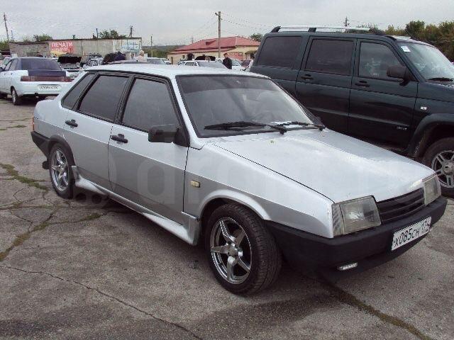 Подержанный ВАЗ (Lada) 2109, отличное состояние, серебряный , 2001 года выпуска, цена 65 000 руб. в Челябинской области