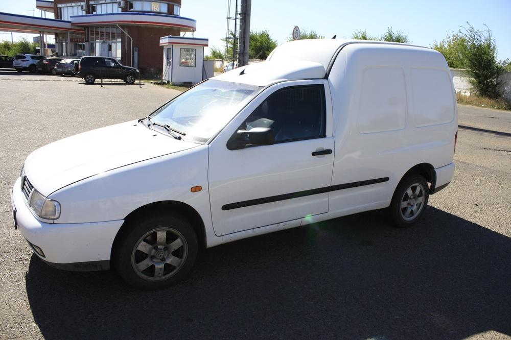 Подержанный Volkswagen Caddy, хорошее состояние, белый , 2001 года выпуска, цена 180 000 руб. в республике Татарстане