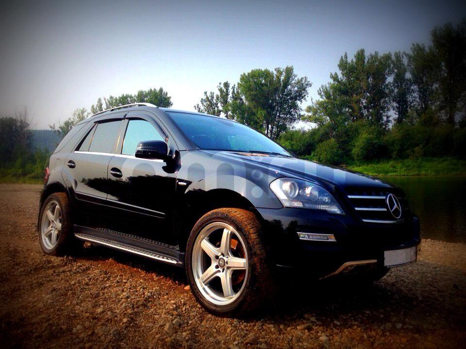 Подержанный Mercedes-Benz M-Класс, отличное состояние, черный , 2011 года выпуска, цена 2 000 000 руб. в ао. Ханты-Мансийском Автономном округе - Югре