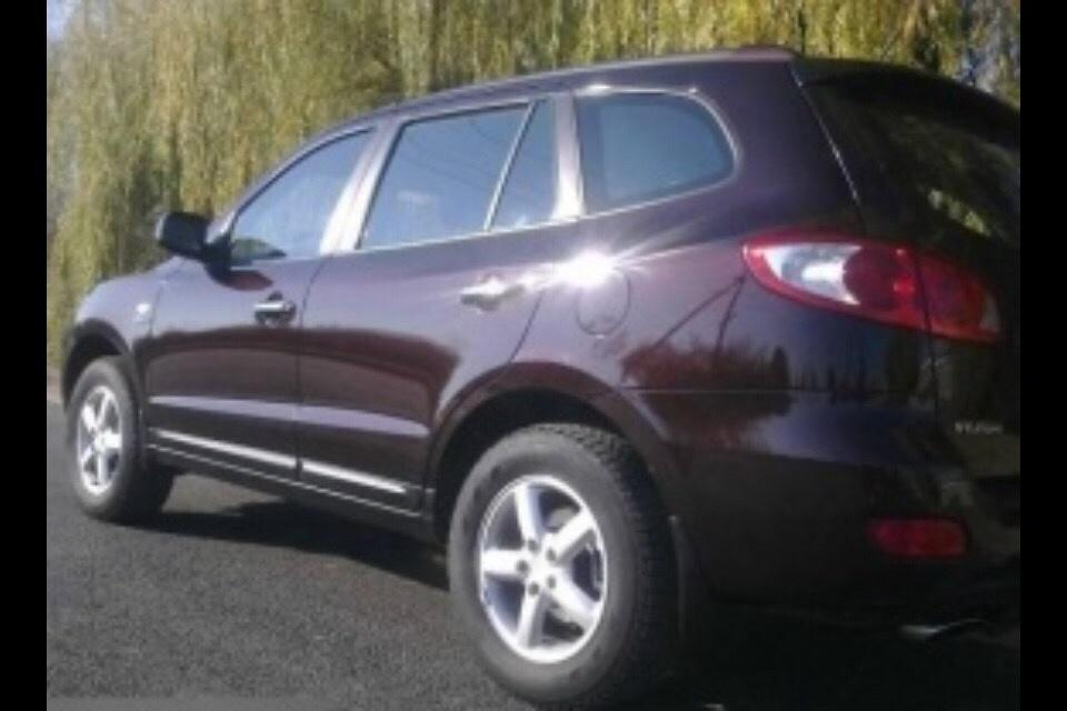 Подержанный Hyundai Santa Fe, хорошее состояние, вишневый , 2008 года выпуска, цена 720 000 руб. в ао. Ханты-Мансийском Автономном округе - Югре
