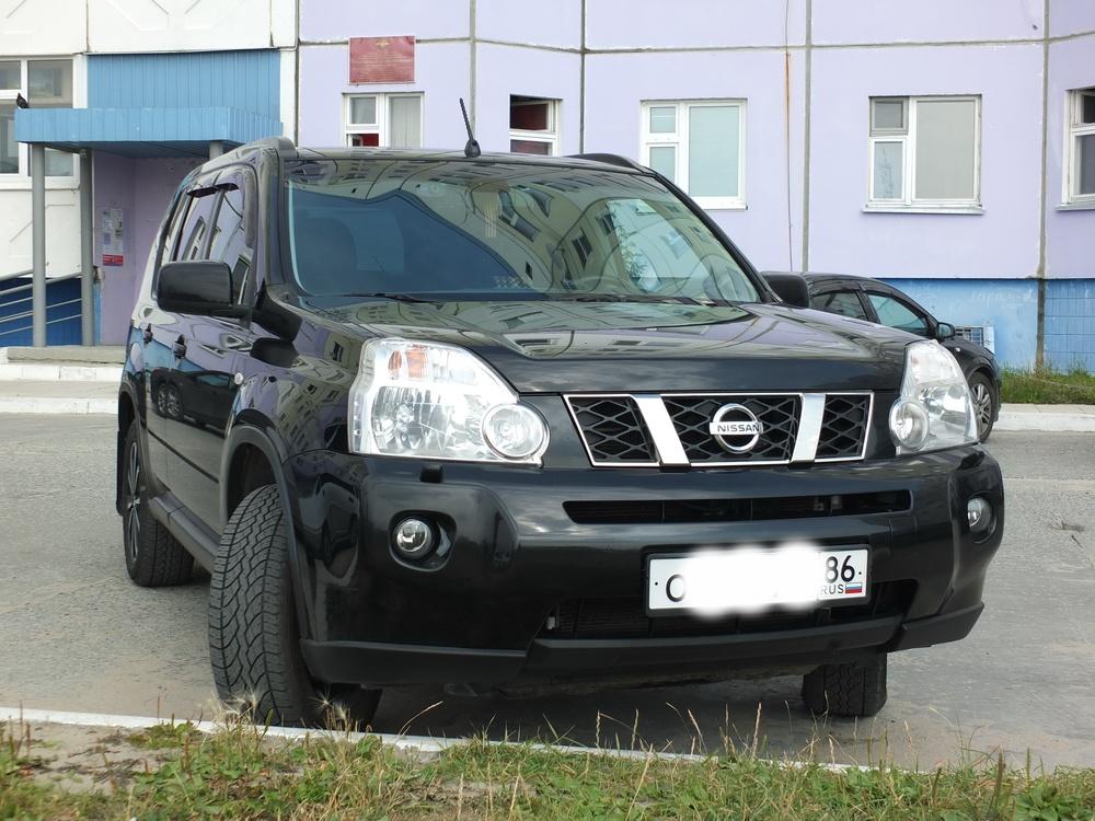 Подержанный Nissan X-Trail, отличное состояние, черный , 2010 года выпуска, цена 800 000 руб. в ао. Ханты-Мансийском Автономном округе - Югре
