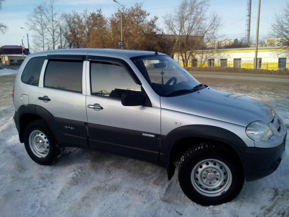 Подержанный Chevrolet Niva, отличное состояние, серебряный металлик, 2011 года выпуска, цена 410 000 руб. в республике Татарстане
