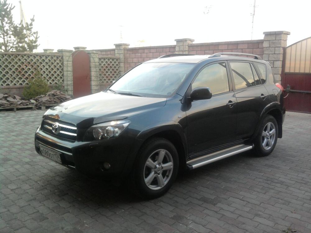 Подержанный Toyota RAV4, хорошее состояние, мокрый асфальт металлик, 2007 года выпуска, цена 785 000 руб. в Челябинской области
