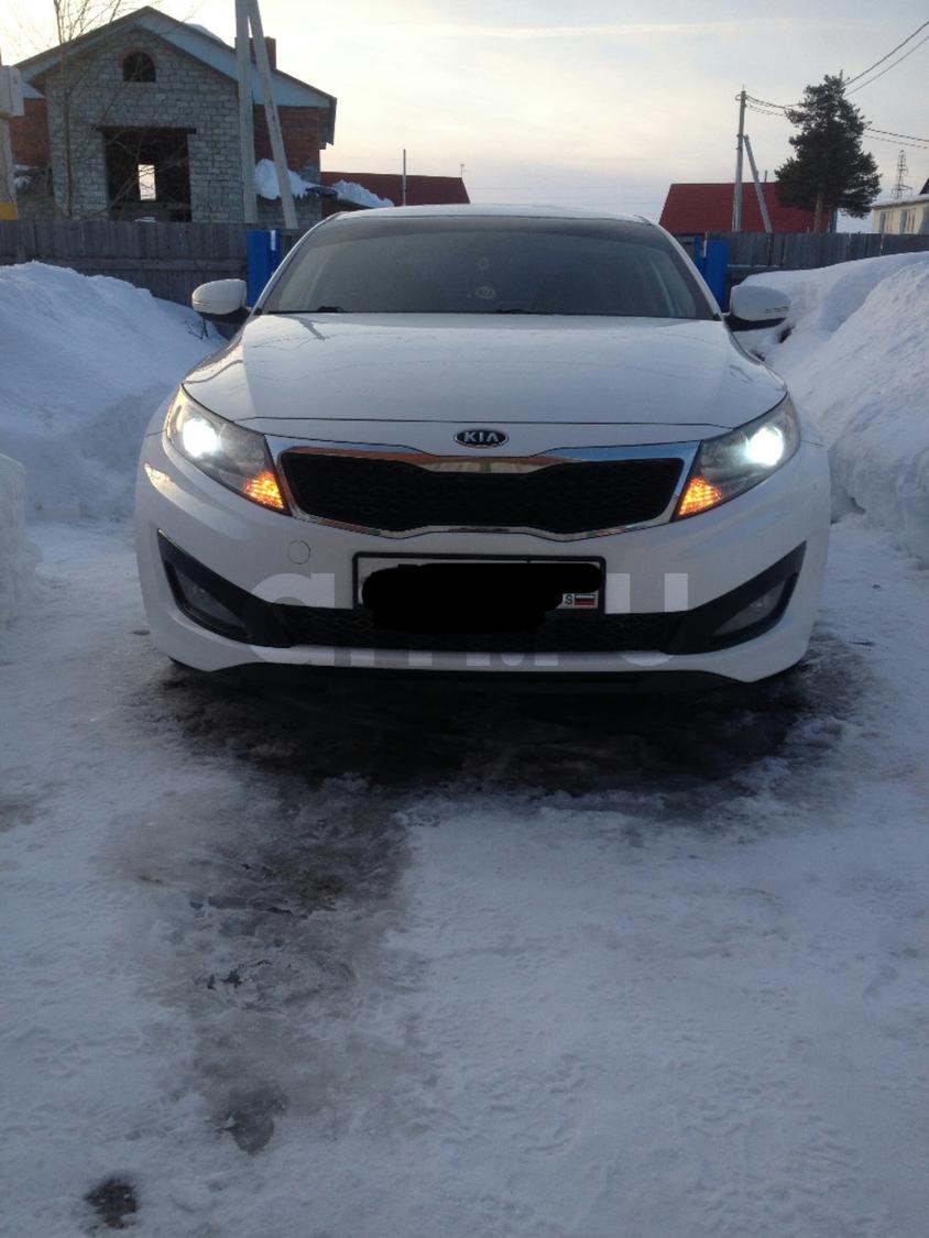Подержанный Kia K5, хорошее состояние, белый перламутр, 2011 года выпуска, цена 765 000 руб. в ао. Ханты-Мансийском Автономном округе - Югре