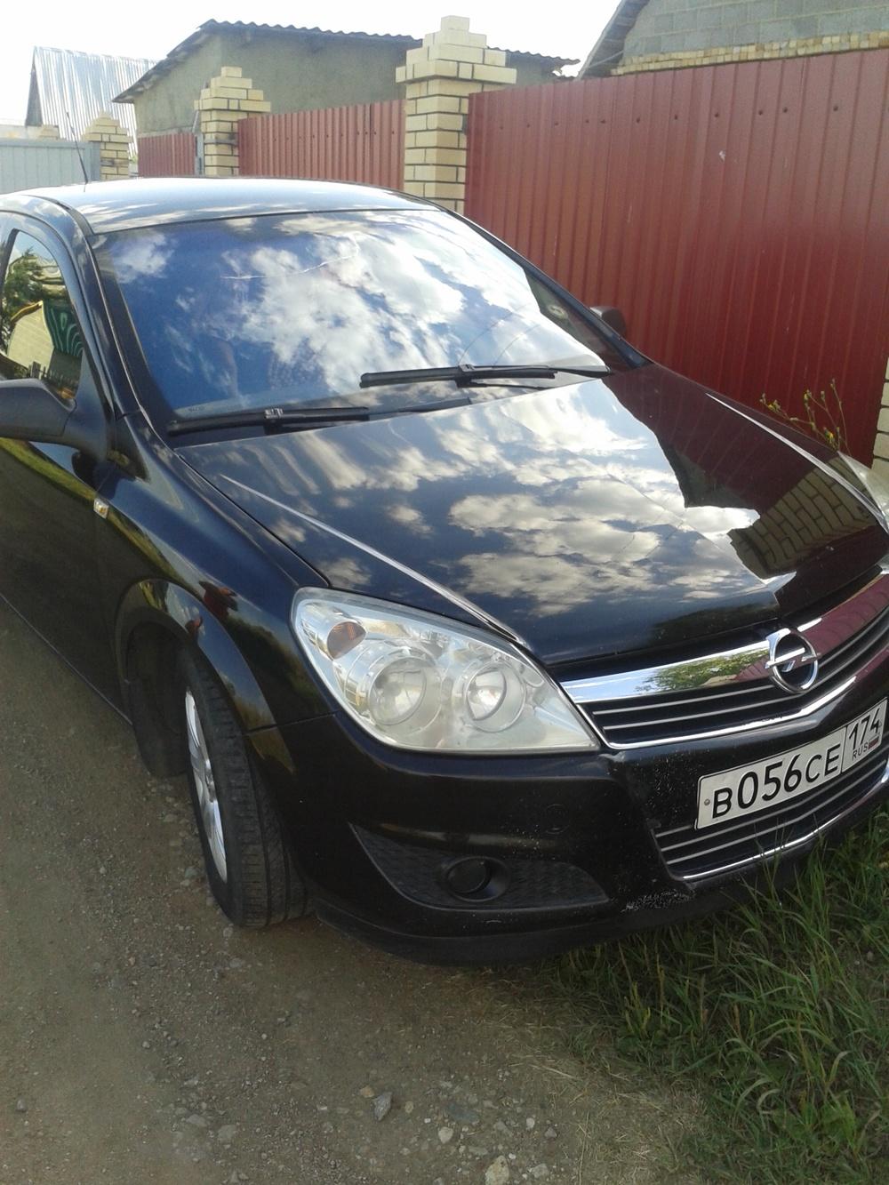 Подержанный Opel Astra, хорошее состояние, черный , 2007 года выпуска, цена 275 000 руб. в Челябинской области