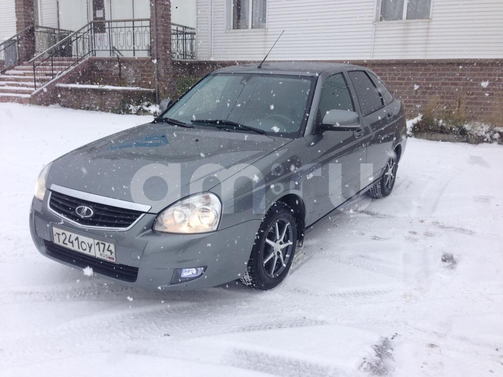 Подержанный ВАЗ (Lada) Priora, отличное состояние, мокрый асфальт , 2012 года выпуска, цена 275 000 руб. в Челябинской области