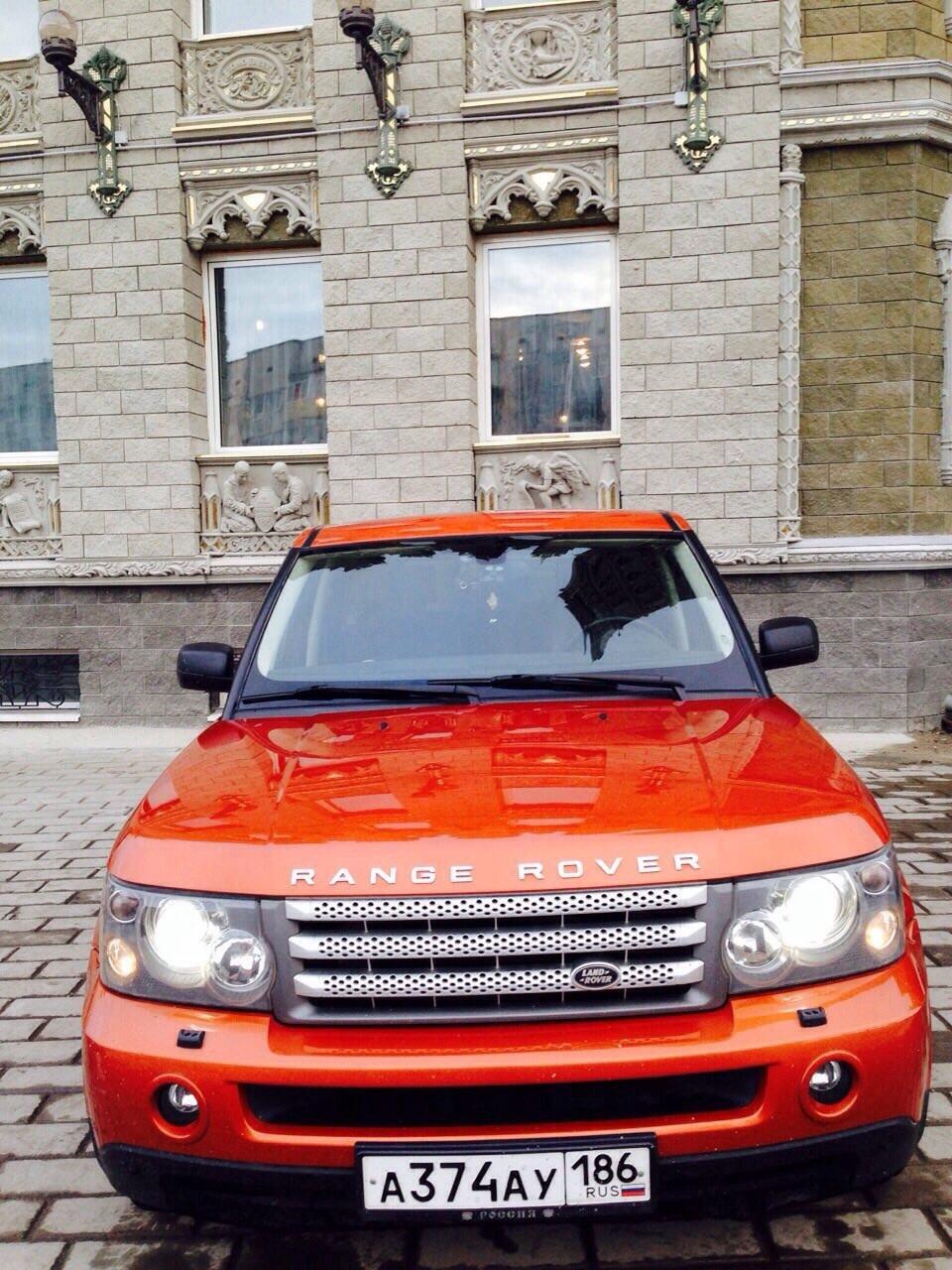 Подержанный Land Rover Range Rover Sport, отличное состояние, оранжевый металлик, 2005 года выпуска, цена 900 000 руб. в ао. Ханты-Мансийском Автономном округе - Югре