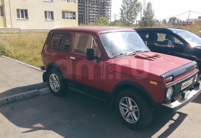 Подержанный ВАЗ (Lada) 4x4, хорошее состояние, красный , 1994 года выпуска, цена 110 000 руб. в Челябинской области