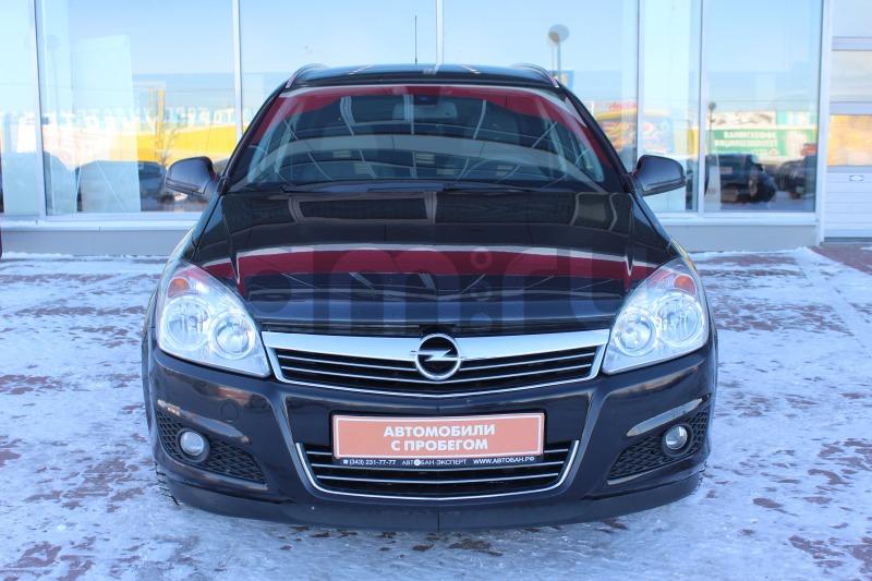 Opel Astra с пробегом, черный , отличное состояние, 2011 года выпуска, цена 429 000 руб. в автосалоне  ()