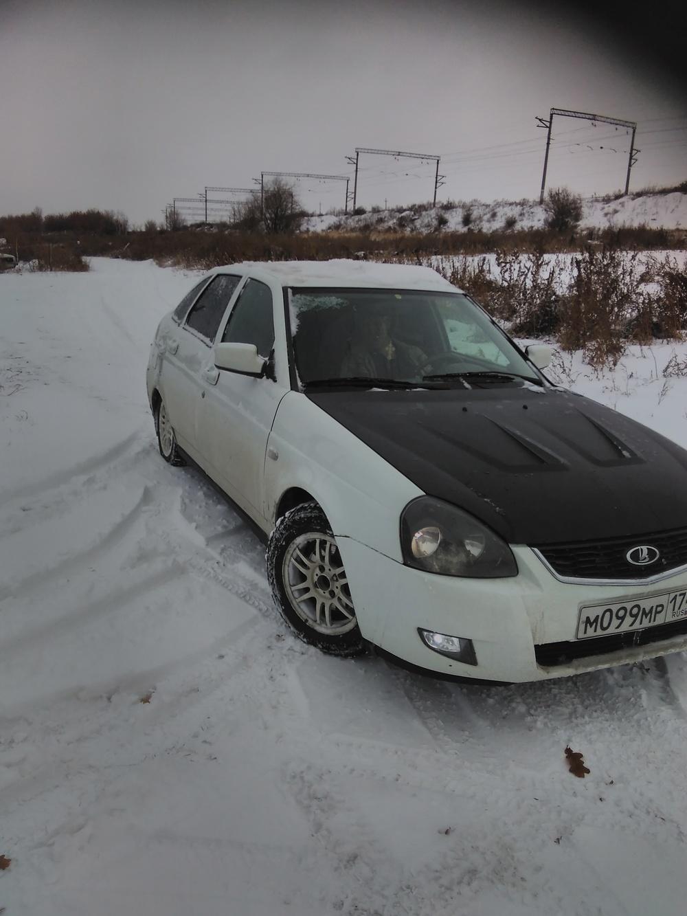 Подержанный ВАЗ (Lada) Priora, отличное состояние, белый , 2010 года выпуска, цена 190 000 руб. в Челябинской области