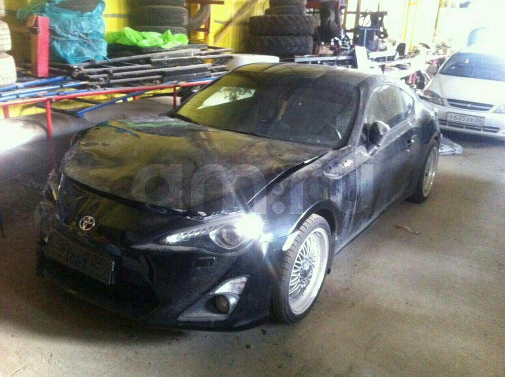 Подержанный Toyota GT 86, битый состояние, черный металлик, 2012 года выпуска, цена 750 000 руб. в ао. Ханты-Мансийском Автономном округе - Югре