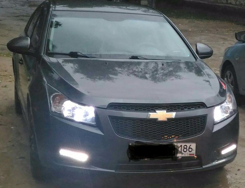 Подержанный Chevrolet Cruze, хорошее состояние, мокрый асфальт , 2010 года выпуска, цена 350 000 руб. в ао. Ханты-Мансийском Автономном округе - Югре