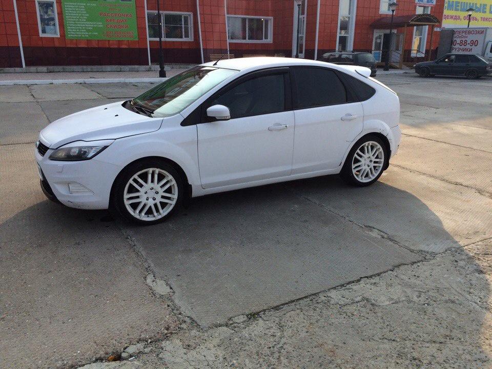 Подержанный Ford Focus, хорошее состояние, белый матовый, 2008 года выпуска, цена 380 000 руб. в ао. Ханты-Мансийском Автономном округе - Югре