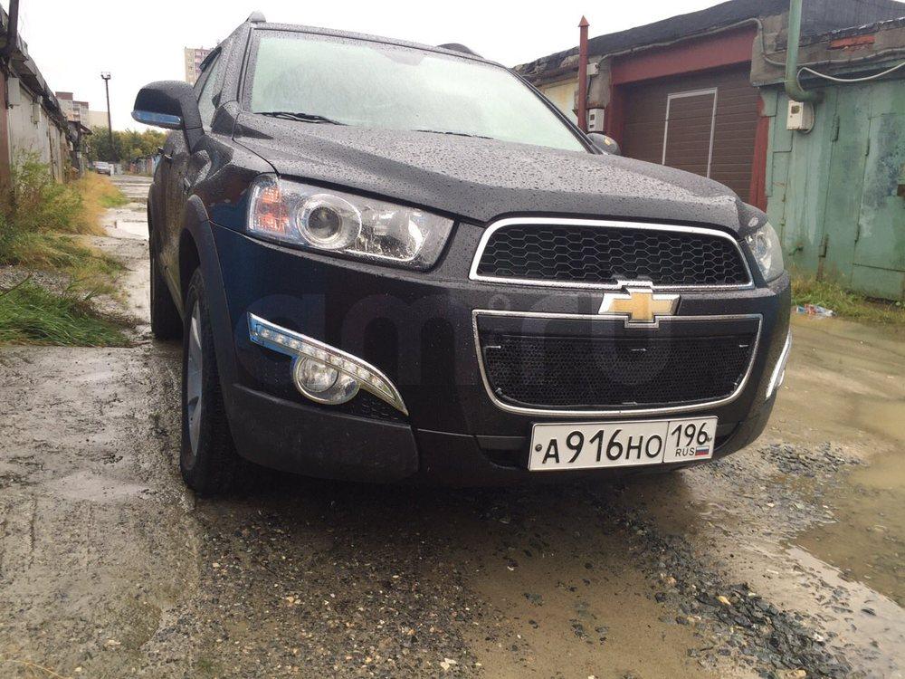 Подержанный Chevrolet Captiva, отличное состояние, черный акрил, 2013 года выпуска, цена 1 000 000 руб. в ао. Ханты-Мансийском Автономном округе - Югре