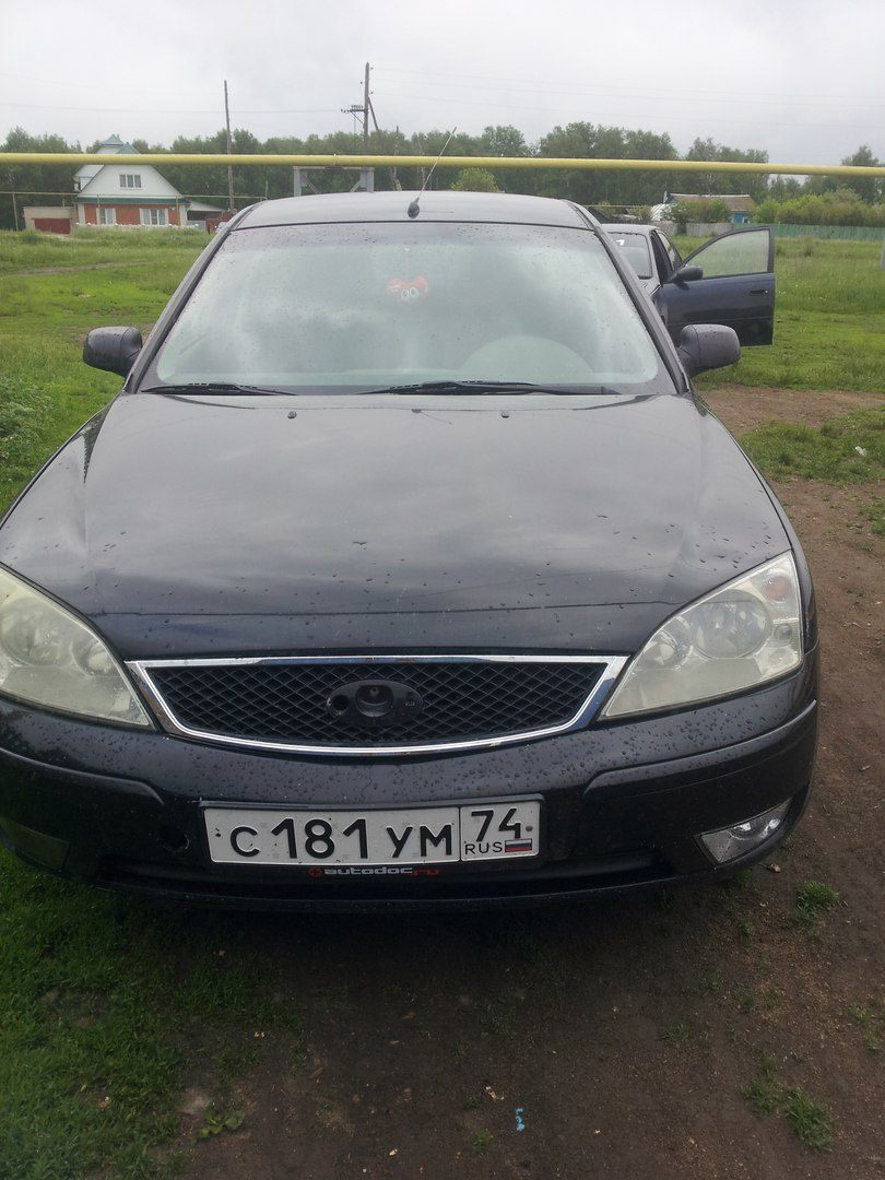 Подержанный Ford Mondeo, хорошее состояние, черный , 2005 года выпуска, цена 220 000 руб. в Челябинской области
