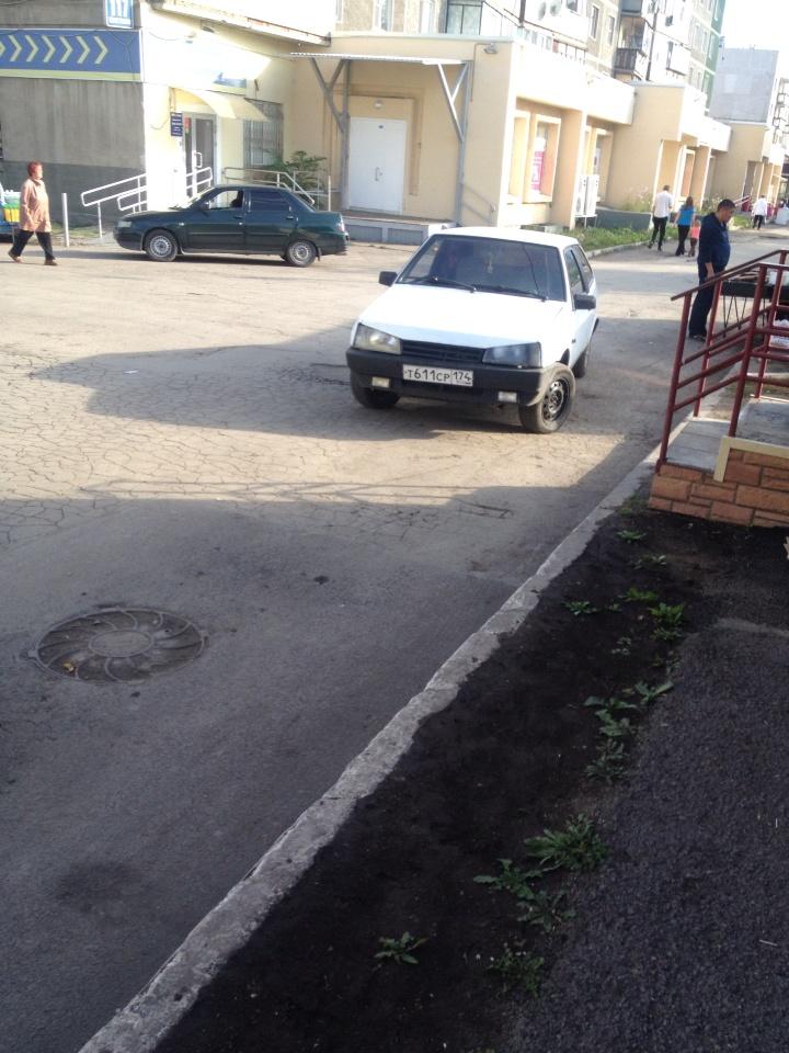 Подержанный ВАЗ (Lada) 2108, хорошее состояние, белый , 1993 года выпуска, цена 30 000 руб. в Челябинской области