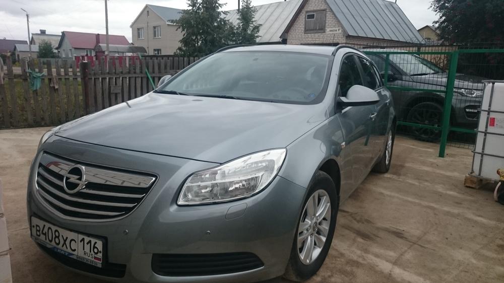Подержанный Opel Insignia, отличное состояние, серебряный металлик, 2010 года выпуска, цена 610 000 руб. в республике Татарстане