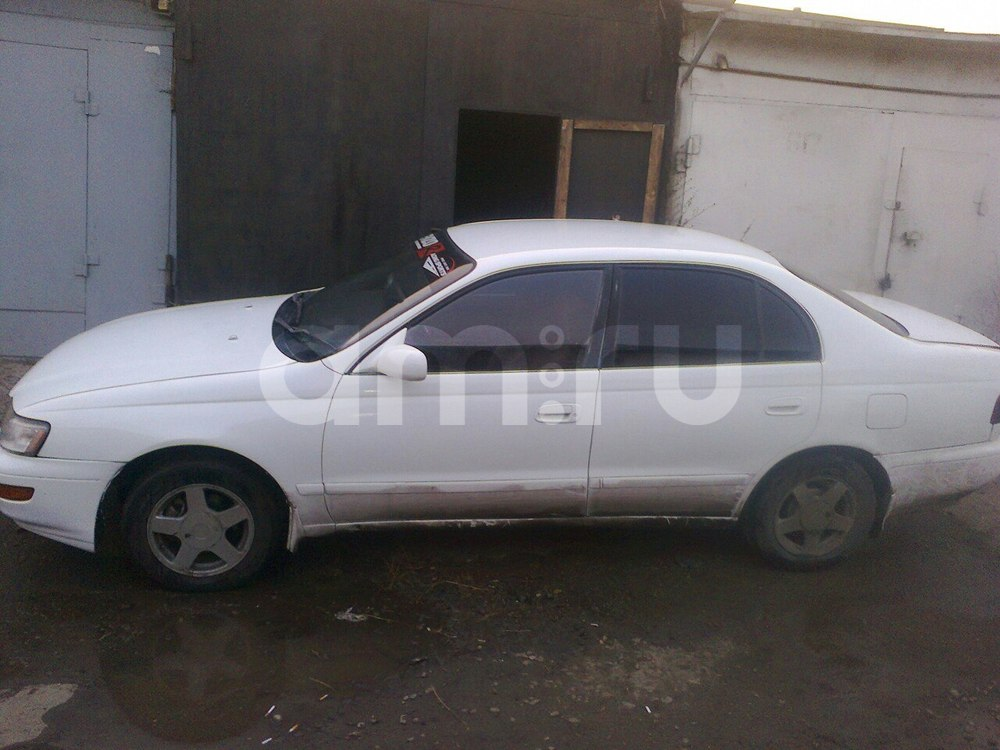 Подержанный Toyota Corona, среднее состояние, белый , 1993 года выпуска, цена 80 000 руб. в Челябинской области
