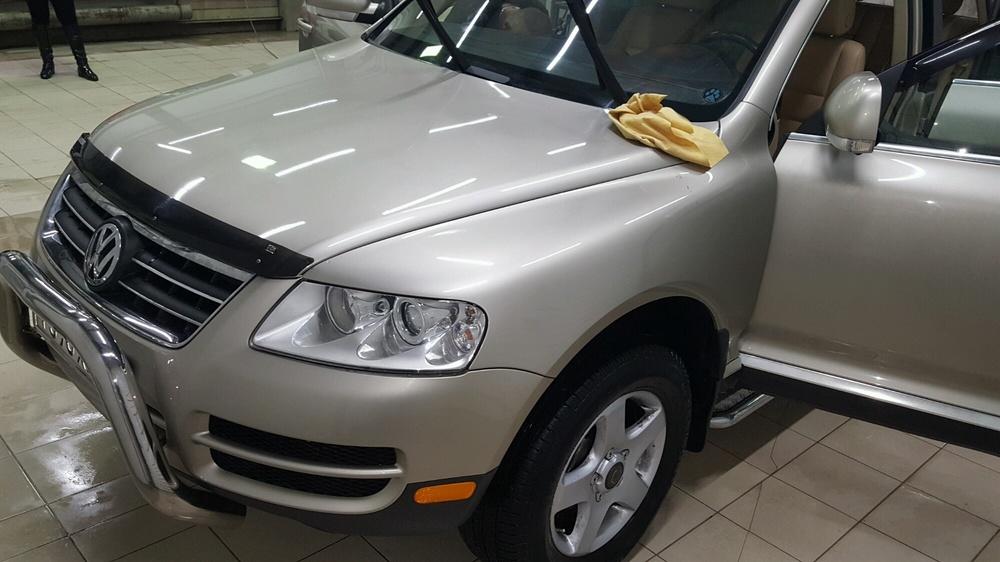 Подержанный Volkswagen Touareg, отличное состояние, бежевый металлик, 2004 года выпуска, цена 650 000 руб. в ао. Ханты-Мансийском Автономном округе - Югре
