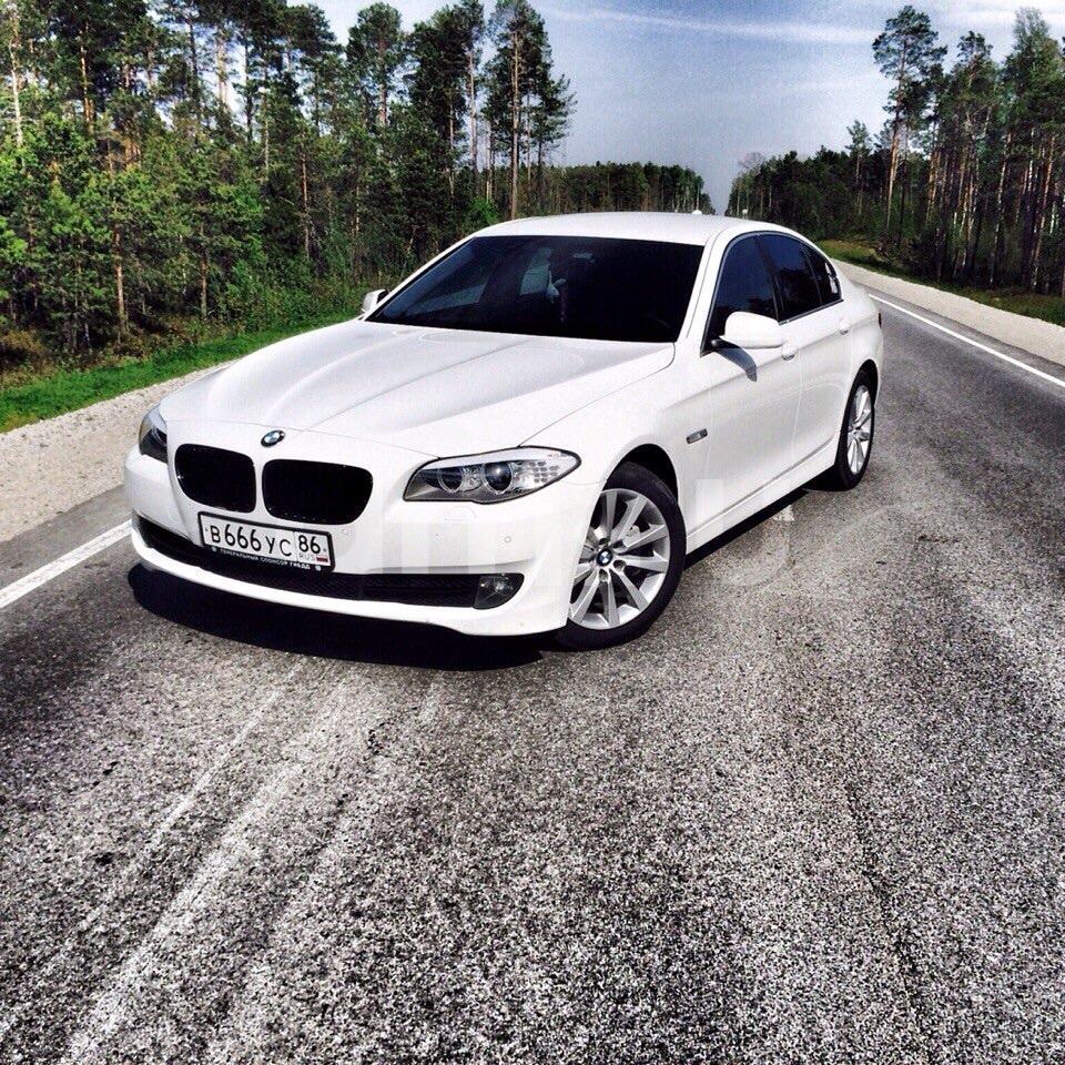 Подержанный BMW 5 серия, отличное состояние, белый , 2013 года выпуска, цена 1 600 000 руб. в ао. Ханты-Мансийском Автономном округе - Югре