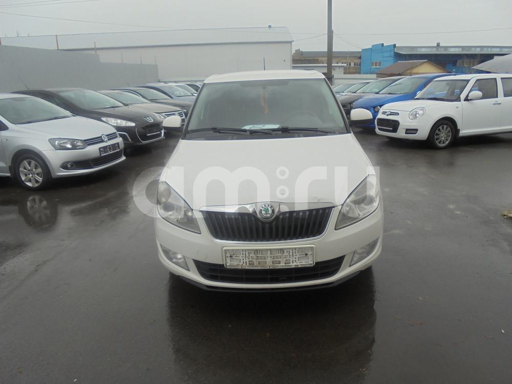 Skoda Fabia с пробегом, белый металлик, отличное состояние, 2013 года выпуска, цена 498 000 руб. в автосалоне  ()