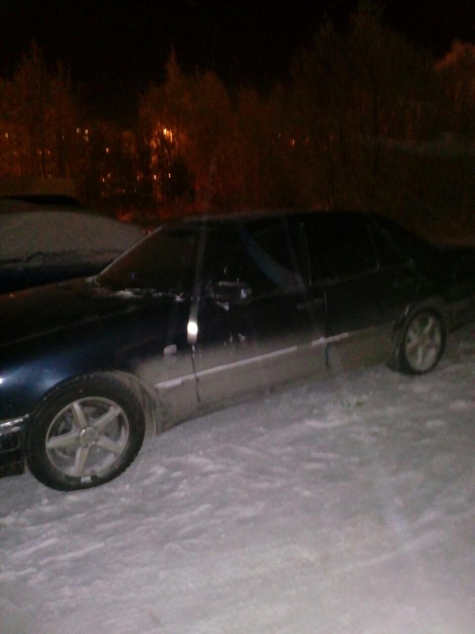Подержанный Mercedes-Benz E-Класс, битый состояние, черный , 1997 года выпуска, цена 140 000 руб. в ао. Ханты-Мансийском Автономном округе - Югре