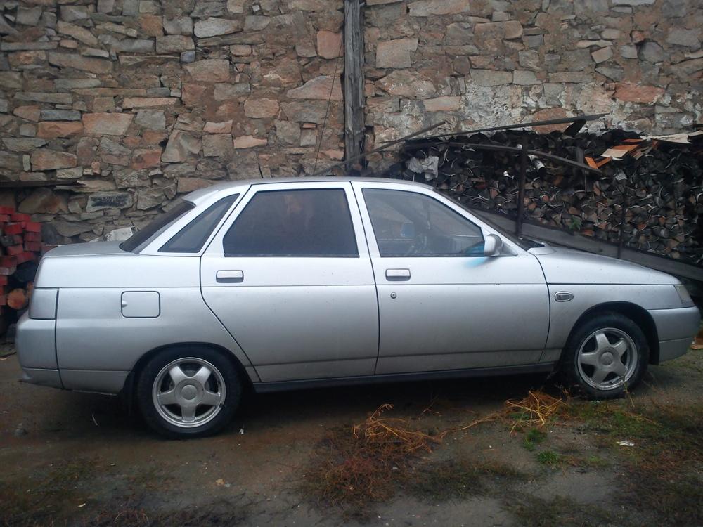 Подержанный ВАЗ (Lada) 2110, хорошее состояние, серебряный металлик, 2002 года выпуска, цена 85 000 руб. в Челябинской области