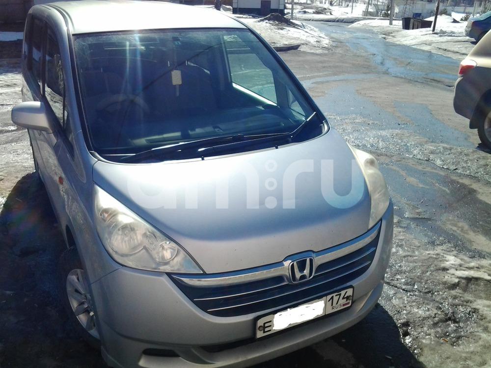 Подержанный Honda Stepwgn, хорошее состояние, серебряный металлик, 2006 года выпуска, цена 530 000 руб. в Челябинской области