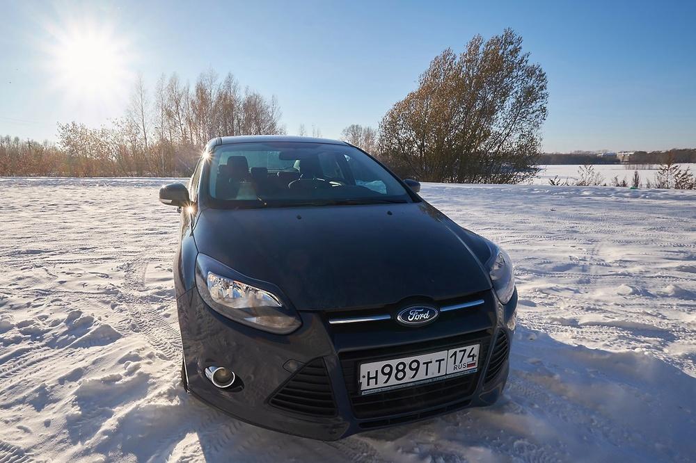 Подержанный Ford Focus, отличное состояние, мокрый асфальт , 2012 года выпуска, цена 490 000 руб. в Челябинской области