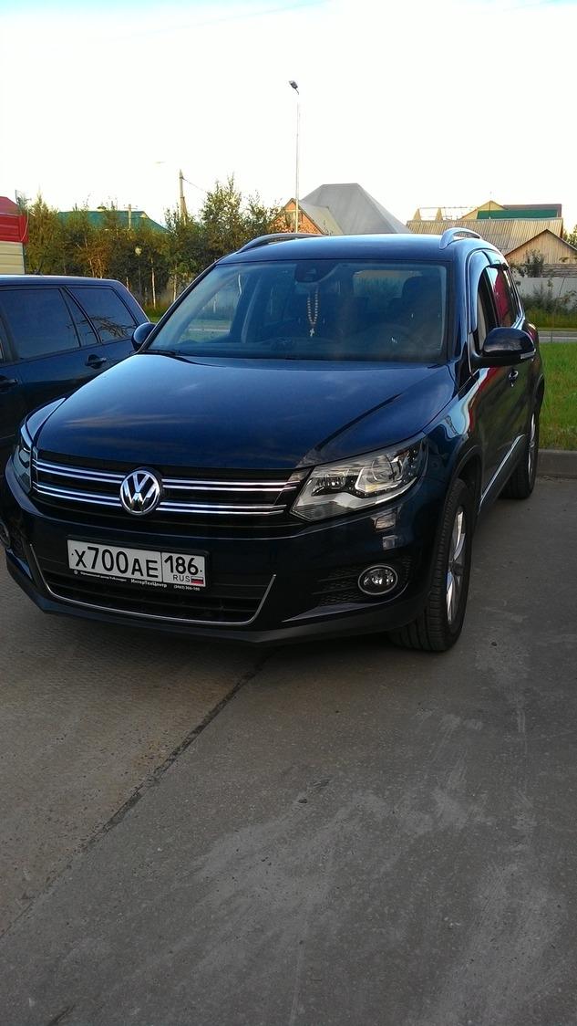 Подержанный Volkswagen Tiguan, отличное состояние, синий металлик, 2014 года выпуска, цена 1 400 000 руб. в ао. Ханты-Мансийском Автономном округе - Югре