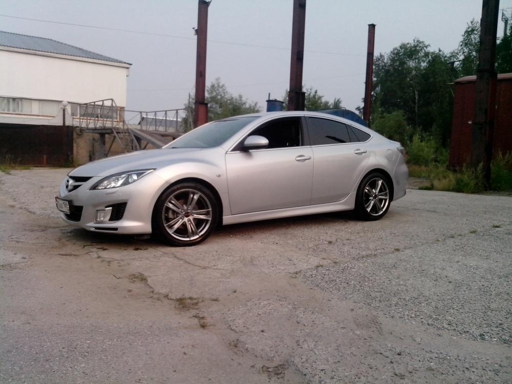 Подержанный Mazda 6, хорошее состояние, серебряный металлик, 2008 года выпуска, цена 510 000 руб. в ао. Ханты-Мансийском Автономном округе - Югре