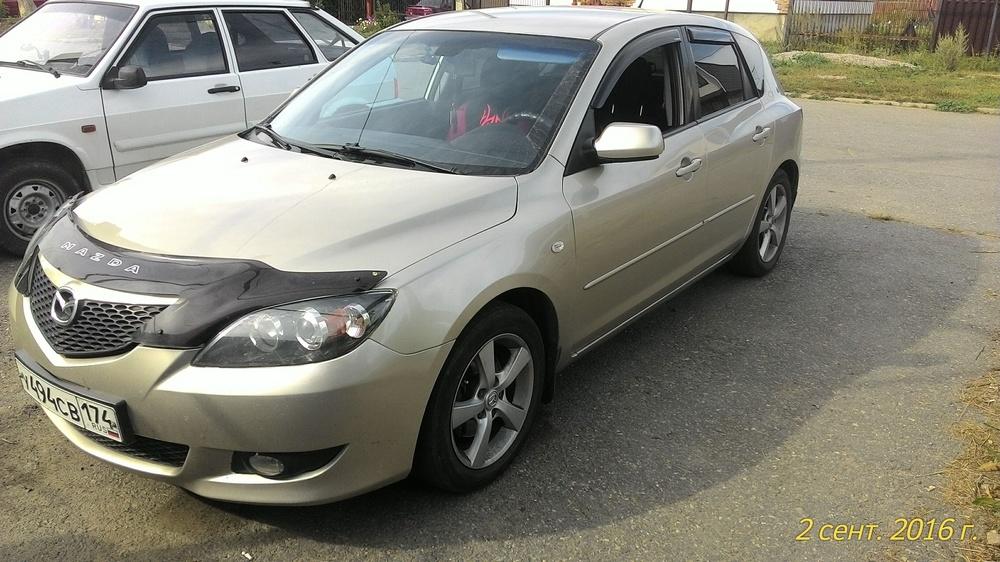 Подержанный Mazda 3, хорошее состояние, золотой , 2005 года выпуска, цена 290 000 руб. в Челябинской области