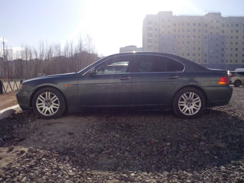 Подержанный BMW 7 серия, хорошее состояние, мокрый асфальт металлик, 2003 года выпуска, цена 400 000 руб. в ао. Ханты-Мансийском Автономном округе - Югре