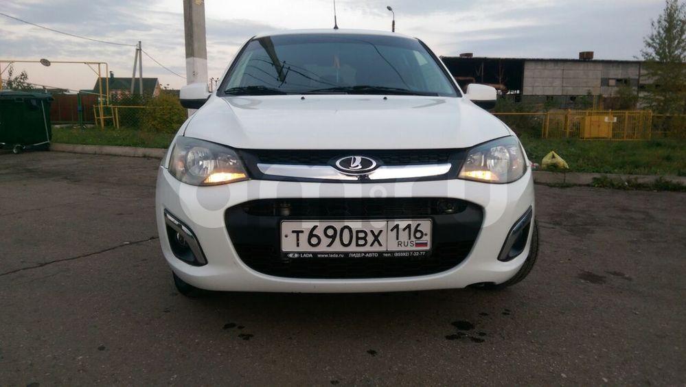 Подержанный ВАЗ (Lada) Kalina, хорошее состояние, белый , 2013 года выпуска, цена 325 000 руб. в республике Татарстане
