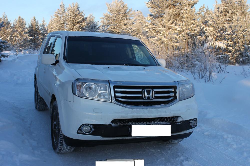 Подержанный Honda Pilot, отличное состояние, белый , 2012 года выпуска, цена 1 600 000 руб. в ао. Ханты-Мансийском Автономном округе - Югре