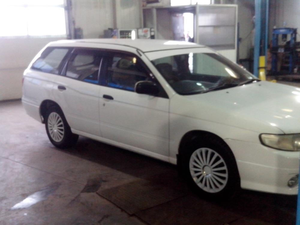 Подержанный Nissan Expert, хорошее состояние, белый , 2002 года выпуска, цена 190 000 руб. в Челябинской области