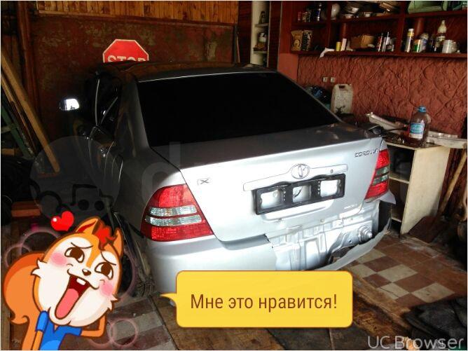 Подержанный Toyota Corolla, битый состояние, серебряный металлик, 2002 года выпуска, цена 100 000 руб. в ао. Ханты-Мансийском Автономном округе - Югре
