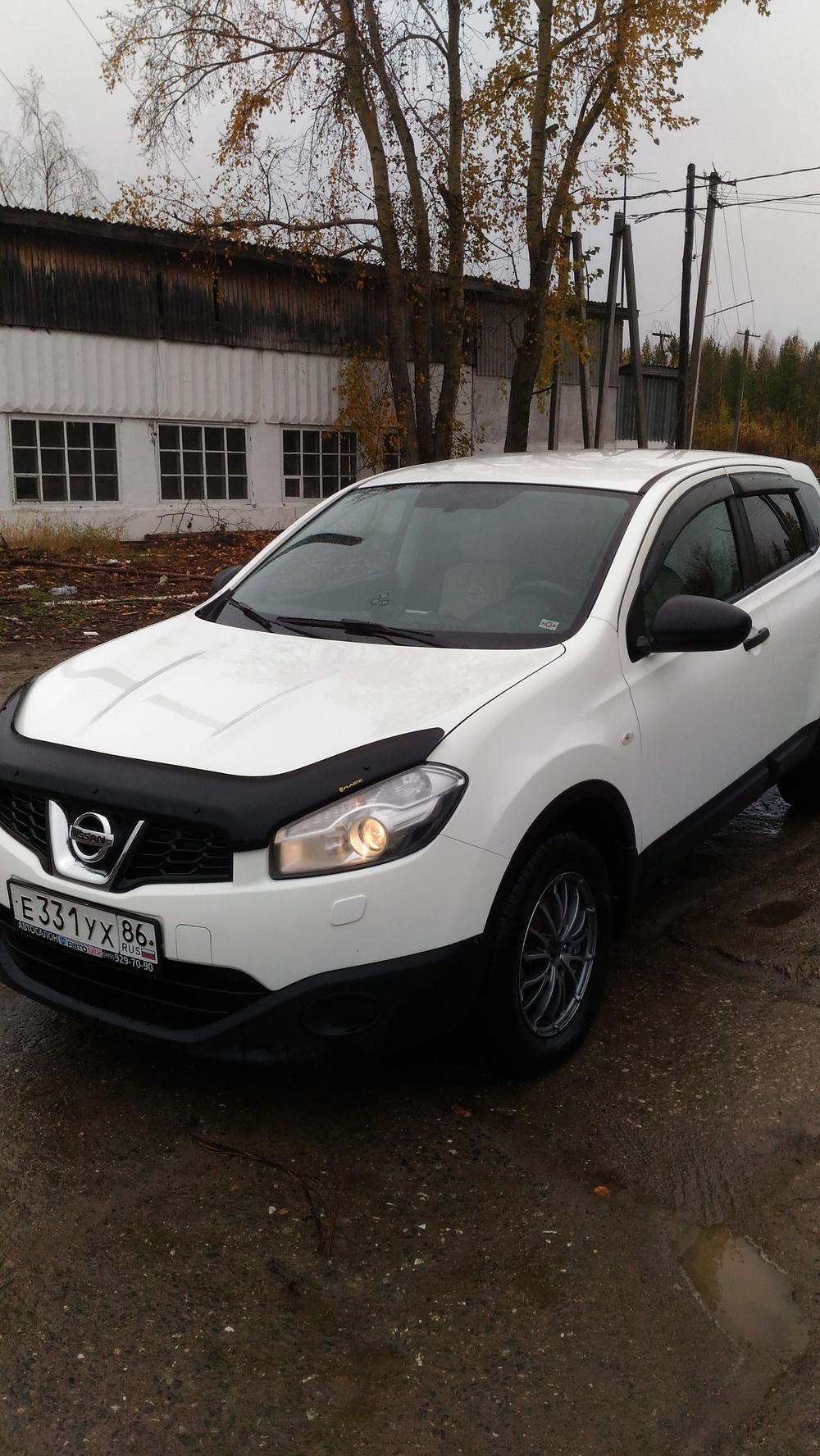 Подержанный Nissan Qashqai, отличное состояние, белый матовый, 2012 года выпуска, цена 675 000 руб. в ао. Ханты-Мансийском Автономном округе - Югре