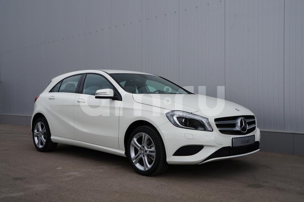 Новый авто Mercedes-Benz A-Класс, белый , 2015 года выпуска, цена 1 490 000 руб. в автосалоне УралАвтоХаус Магнитогорск (Магнитогорск, пр-кт Ленина, д. 97, лит. Б)