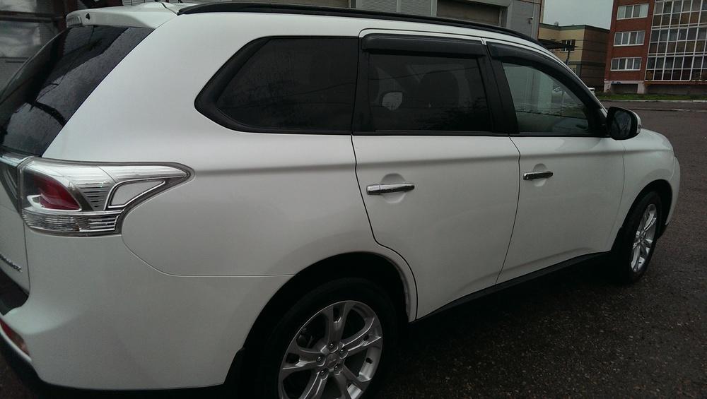 Подержанный Mitsubishi Outlander, отличное состояние, белый перламутр, 2013 года выпуска, цена 1 130 000 руб. в республике Татарстане
