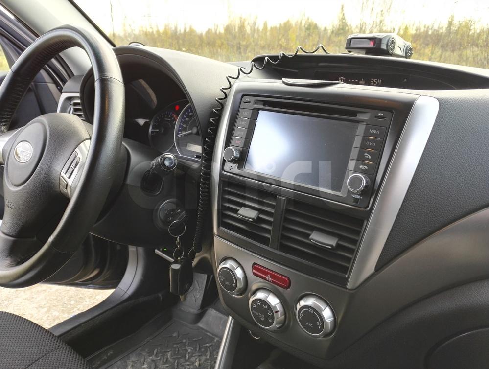 Подержанный Subaru Forester, хорошее состояние, серый , 2011 года выпуска, цена 900 000 руб. в ао. Ханты-Мансийском Автономном округе - Югре