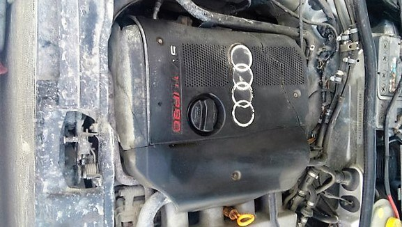 Подержанный Audi A4, среднее состояние, серебряный , 1999 года выпуска, цена 230 000 руб. в ао. Ханты-Мансийском Автономном округе - Югре