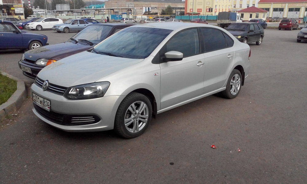 Подержанный Volkswagen Polo, отличное состояние, серебряный , 2013 года выпуска, цена 475 000 руб. в республике Татарстане
