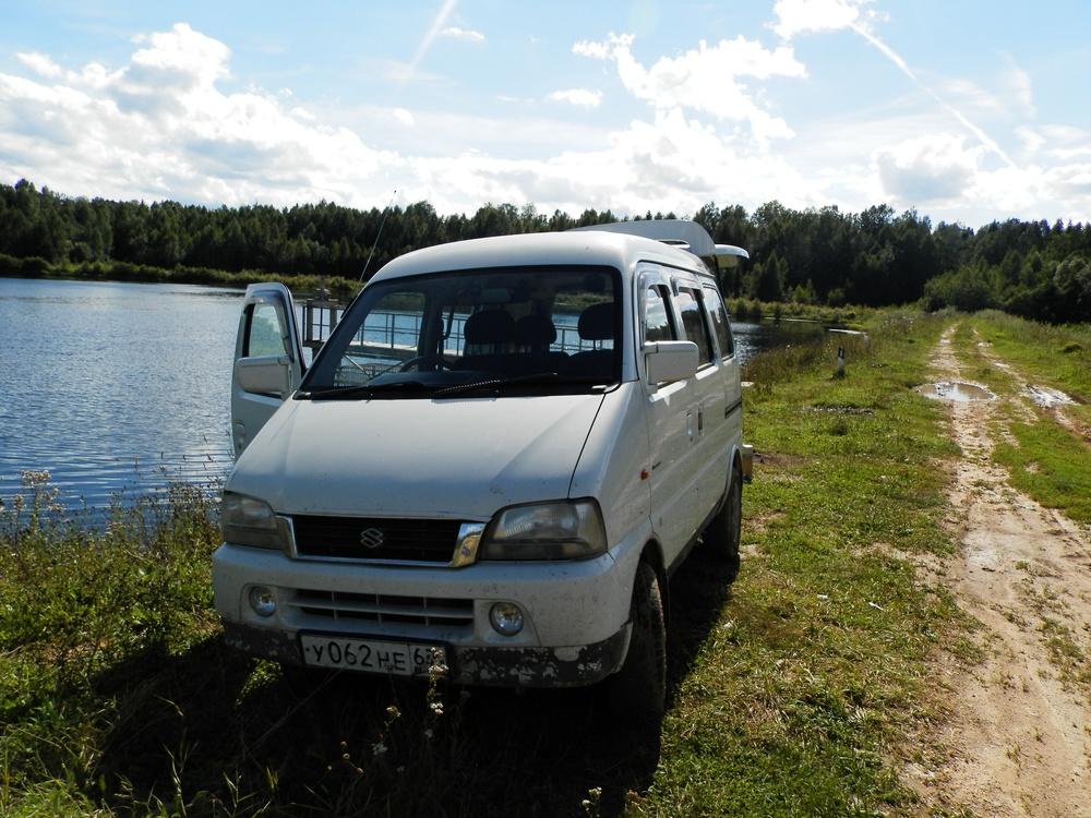 Подержанный Suzuki Every, хорошее состояние, белый перламутр, 2001 года выпуска, цена 170 000 руб. в Смоленской области